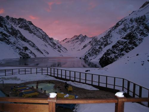 alpenglow_w__lake_and_tub2.jpg
