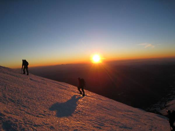 sunrise_on_shasta_s_northside.jpg